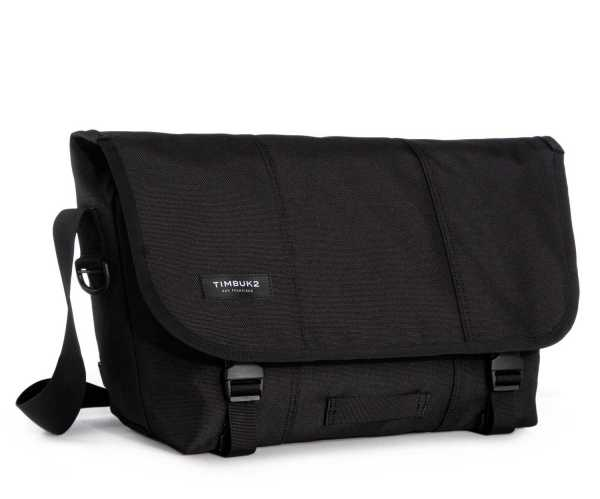 messenger-classic-messenger-bag-jet-black